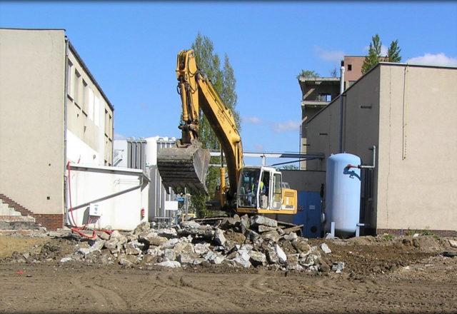 2014 – Přístavba haly PHUTURE, komunikace a zpevněné plochy,